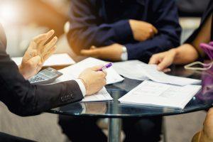 Zanim podpiszemy umowę z firmą pożyczkową, warto sprawdzić czy jest ona wiarygodna finansowo.