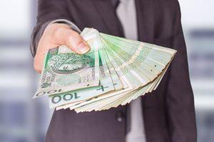 Kurier dostarczając umowę pożyczki ma obowiązek zweryfikować tożsamość wnioskującego.